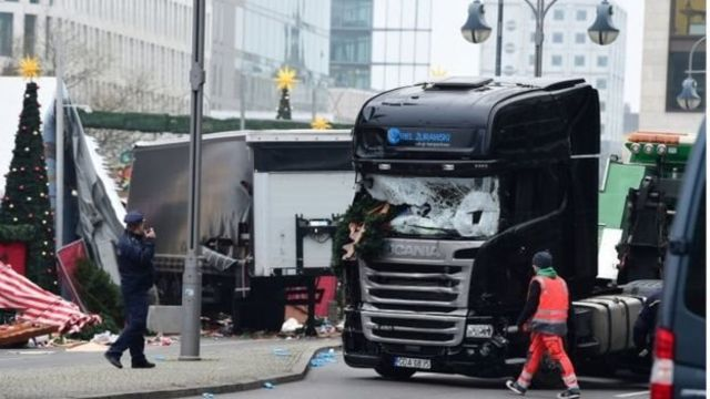 صورة للشاحنة التي استخدمها المهاجم