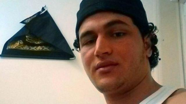 La famille de Anis Amri, suspect de l'attaque de Berlin, l'invite à se rendre à la police allemande.