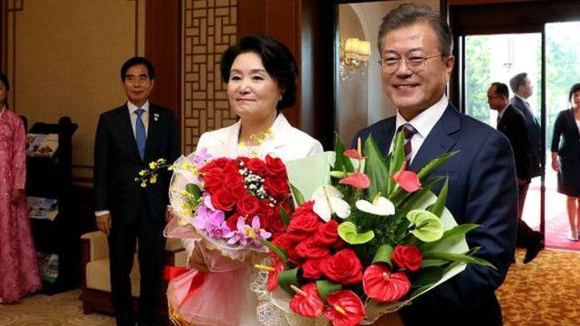 દક્ષિણ કોરિયાના રાષ્ટ્રપતિ અને તેમનાં પત્ની