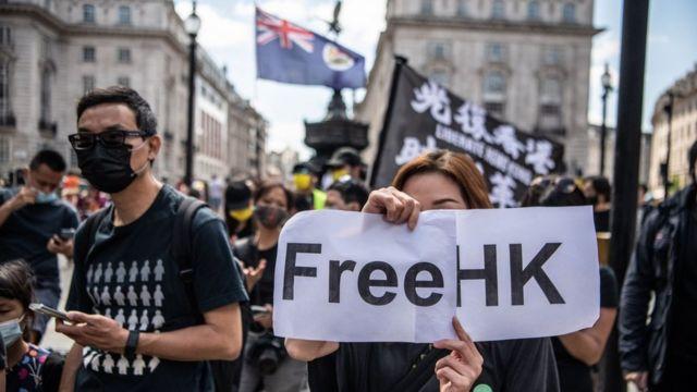 Los residentes de Hong Kong en el Reino Unido y los partidarios de la facción prodemocrática de Hong Kong asistieron a un mitin en Londres para conmemorar el segundo aniversario del conflicto del 12 de junio en la manifestación contra la transmisión de Hong Kong (6/12/2021)