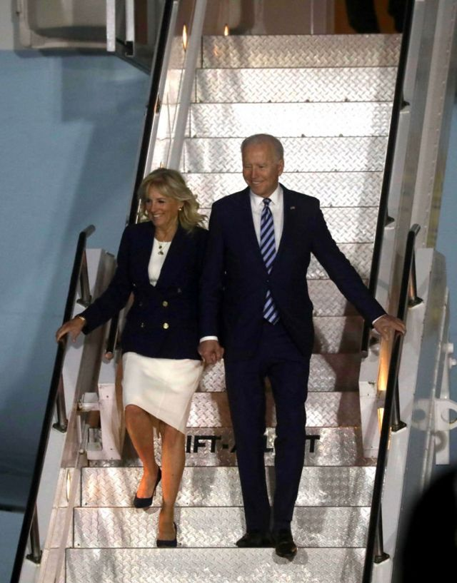 وصول الرئيس جو بايدن وزوجته إلى مطار كورنوال في 9 يونيو/حزيران 2021