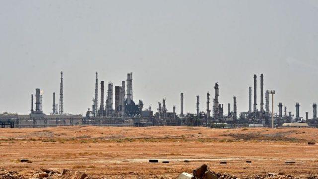 تاسیسات نفتی عربستان از اهداف موشکی حوثی ها هستند