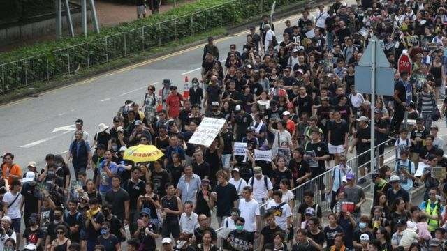 Hong Kong protests: Tens of thousands again turn out