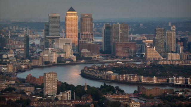 """Los bancos en Singapur recomiendan a sus clientes ser """"cautelosos""""."""