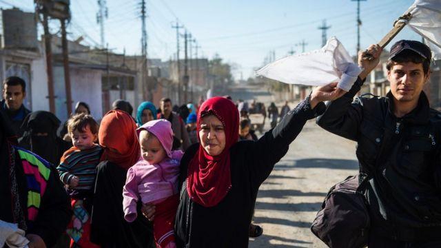 عراقيون يفرون من منطrة عدن في الموصل
