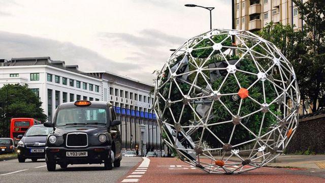 Hortum Machina, o primeiro jardim ambulante autônomo do mund, circula nas ruas de Londres