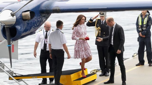 Catherine, Duchess of Cambridge and Prince William, Duke of Cambridge after they arrive by sea plane at the Vancouver Harbour Flight Centre on 25 September 2016 in Vancouver, Canada.