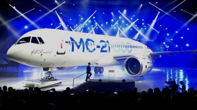 Avión ruso MC-21