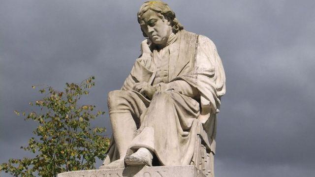 Памятник Сэмюэлу Джонсону на его родине в городе Личфилд