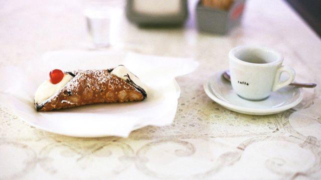 Сегодня подлинные канноли можно найти лишь в нескольких кафе на Сицилии
