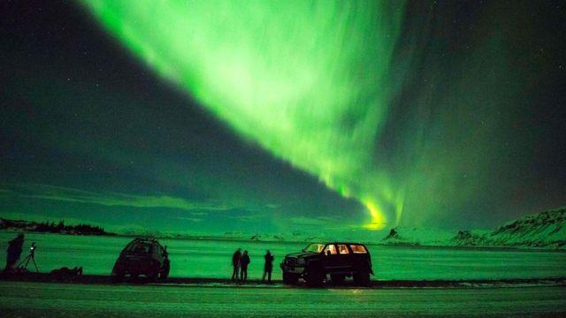 Исландия - одна из немногих стран, где все еще отлично видно северное сияние