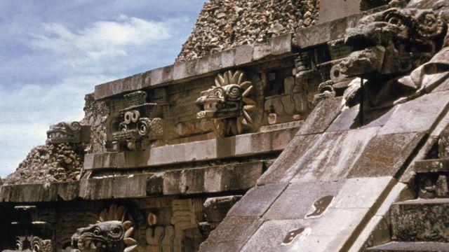 แอซเทคเป็นจักรวรรดิโบราณอันเกรียงไกรแห่งอเมริกากลางซึ่งปัจจุบันคือพื้นที่ในประเทศเม็กซิโก