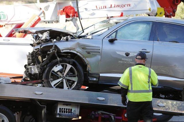 Woods manejaba una camioneta que llevaba el logo de un torneo en el que había sido anfitrión durante el fin de semana en Los Ángeles.