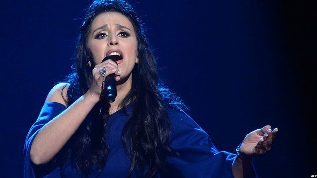 Jamala performing 1944