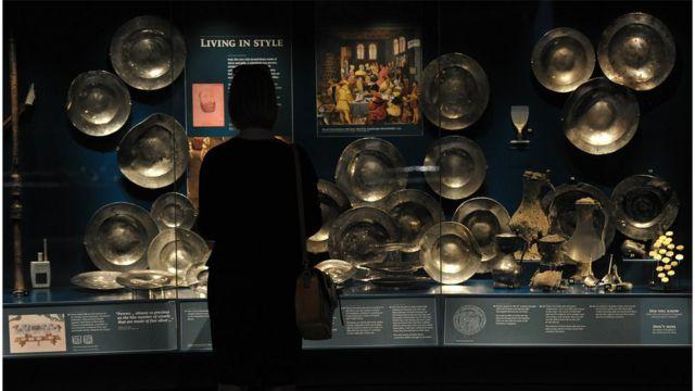 นักโบราณคดีได้ค้นพบซากเรือรบแมรีโรสในปี 1971 พร้อมกับโบราณวัตถุในรัชสมัยกษัตริย์เฮนรีที่ 8 มากกว่า 19,000 ชิ้น