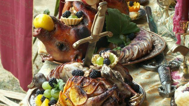 Средневековое блюдо