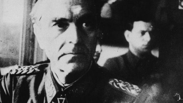 Фридрих Паулюс на допросе после пленения, 31 января 1943 года