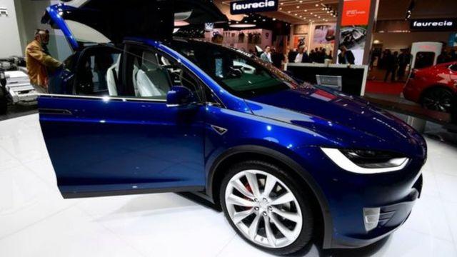 Carro produzido pela Tesla