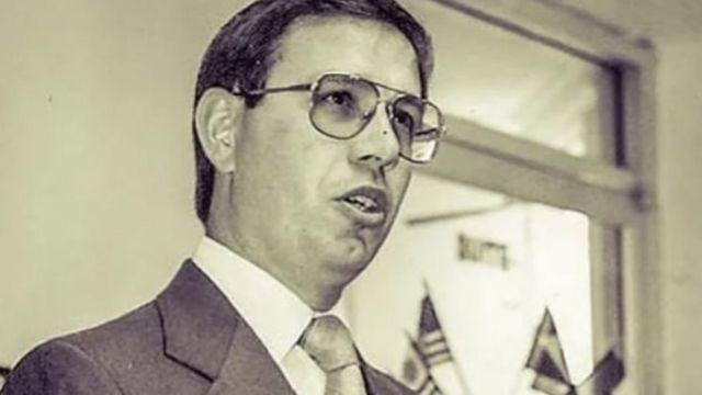 Carlos Wizard em foto antiga
