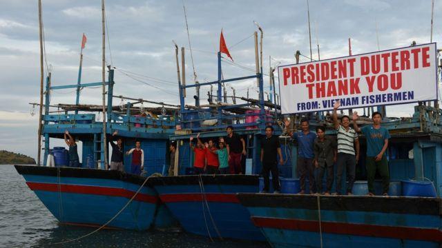 Ngư dân Việt Nam được Tổng thống Philippines Rodrigo Duterte trả tự do hôm 2/11/2016