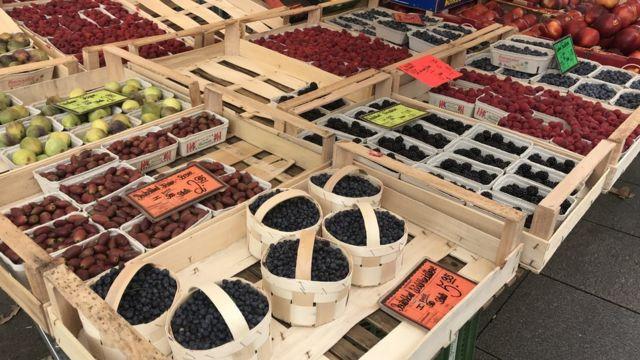 Frutas em feira-livre na Europa