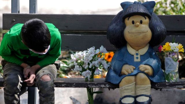 Estatua de Mafalda en Mendoza, Argentina.
