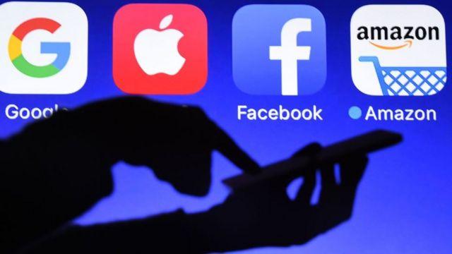 Logos de Google, Apple, Facebook e Amazon.