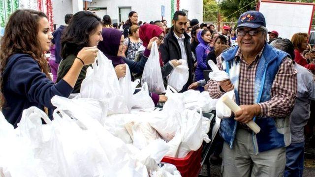 Celebración de la fiesta tradicional de Kurban, en la que se comparte carne con los más necesitados, en México.