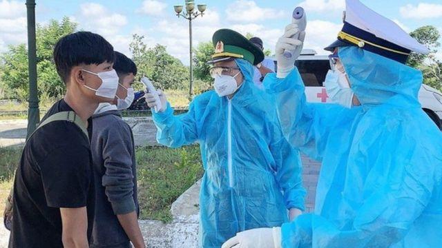 Liệu các trường hợp nhập cảnh trái phép có đâm thủng tuyến phòng dịch của Việt Nam?