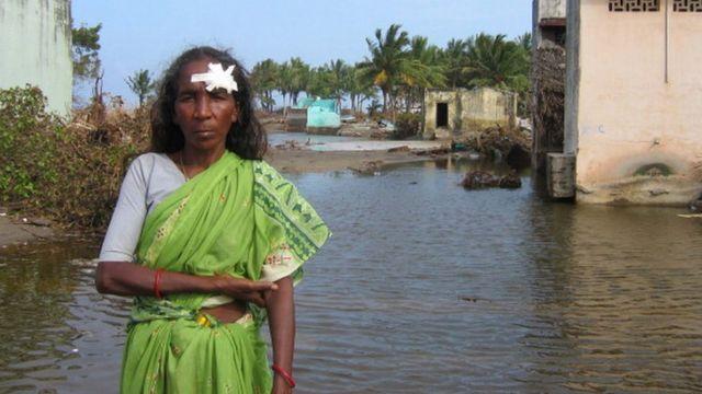2004 - இல் உலகையே புரட்டிப்போட்ட சுனாமி