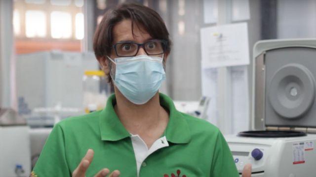O virologista Flávio da Fonsec