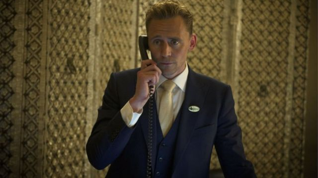 Tom Hidlston u TV adaptaciji Noćnog menadžera Džona Le Karea