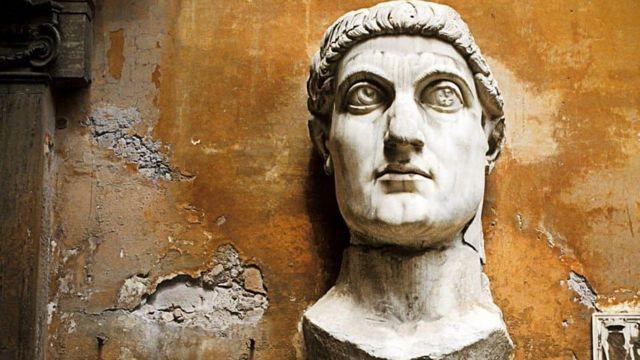 Estatua de la cabeza de Constantino el Grande