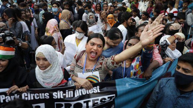 কলকাতায় নাগরিকত্ব আইনের বিরুদ্ধে বহু হিন্দু ও মুসলিম একসাথে আন্দোলন করেছেন