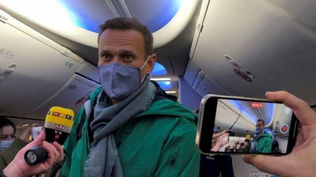 Alexei Navalny regresó a Rusia el fin de semana pasado en un avión lleno de periodistas.