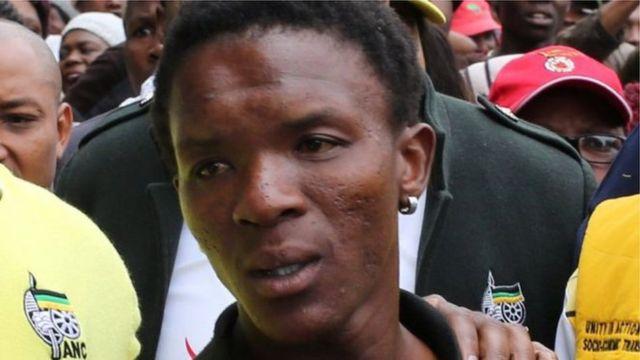 Les prévenus avaient menacé de brûler vif Victor Mlotshwa (en photo) après l'avoir mis dans un cercueil.