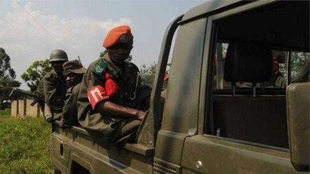Des soldats de l'armée congolaise (en photo) s'affrontent souvent avec les miliciens d'un chef coutumier tué en août dernier dans le centre de la RDC.