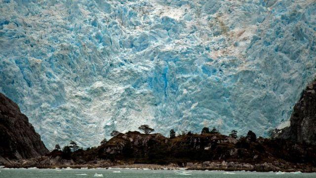 Glaciar Santa Inés, Punta Arenas, Chile.