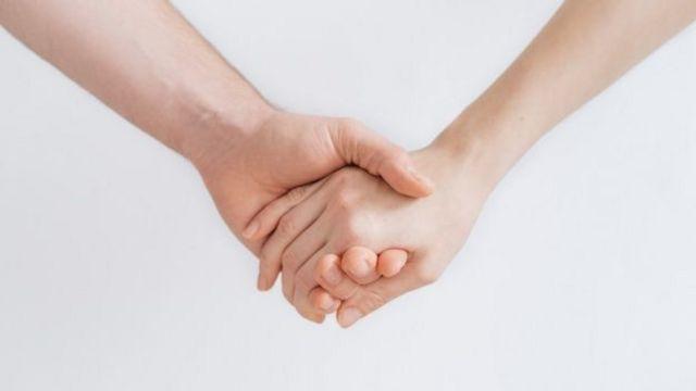рука об руку