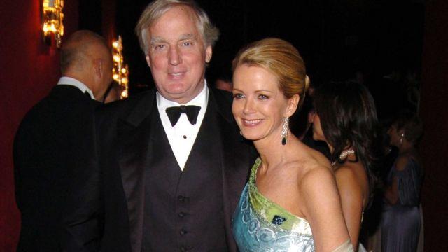 Robert Trump en 2005, y su entonces esposa Blaine Trump.