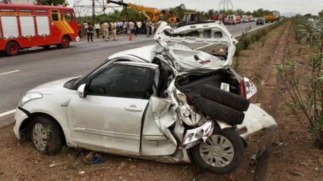 टूटी कार