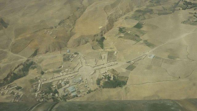 """د لولاش """"کوهستان"""" ولسوالۍ مرکز له څو اونیو راهیسې د طالبانو تر سختو بریدونو لاندې و"""