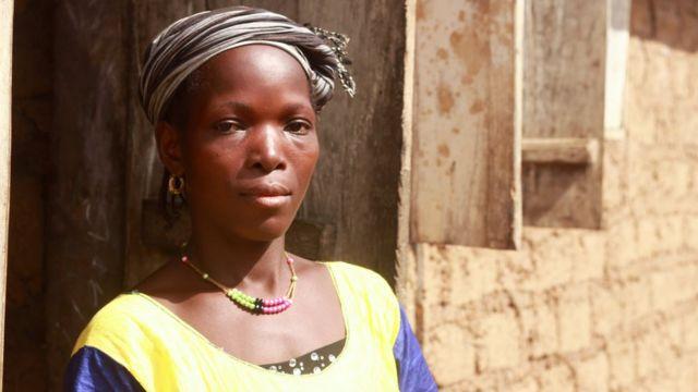 Ebola crisis: Pregnant women in Guinea still avoid hospital