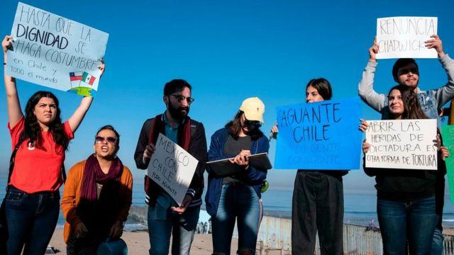 Manifestación de apoyo a Chile en México