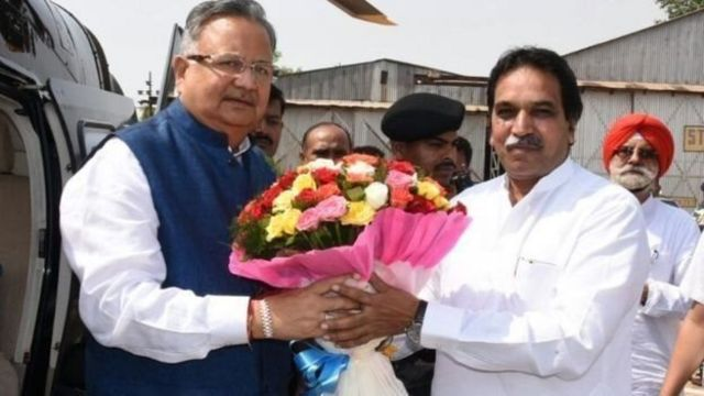 छत्तीसगढ़ के मुख्यमंत्री रमन सिंह और राजेश मूणत (दाएं)
