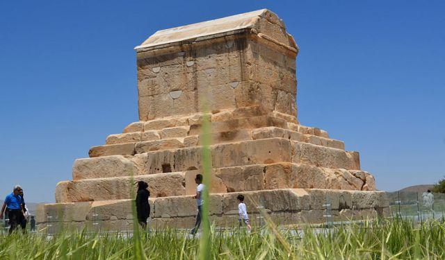 kuburan Cyrus The Great