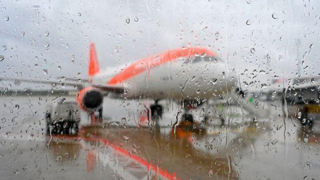 Денег у авиакомпаний осталось в среднем на 8 месяцев такой жизни