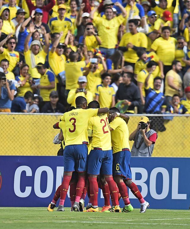 Ecuador celebre un gol