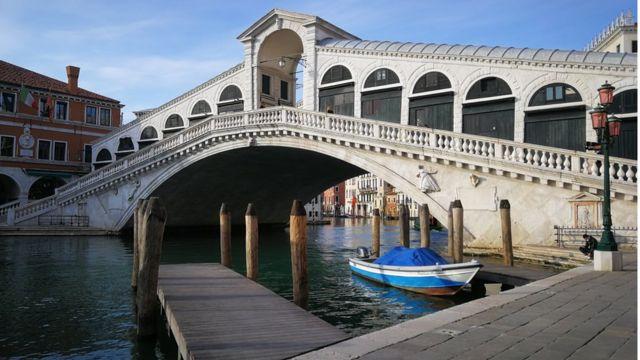 Rialto Köprüsü