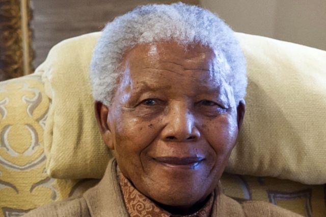 نيلسون مانديلا: اتهام 15 شخصا بالاحتيال بشأن نفقات جنازة زعيم جنوب أفريقيا الراحل
